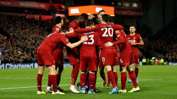Selebrasi kemenangan para pemain Liverpool. Copyright: © Twitter @LFC