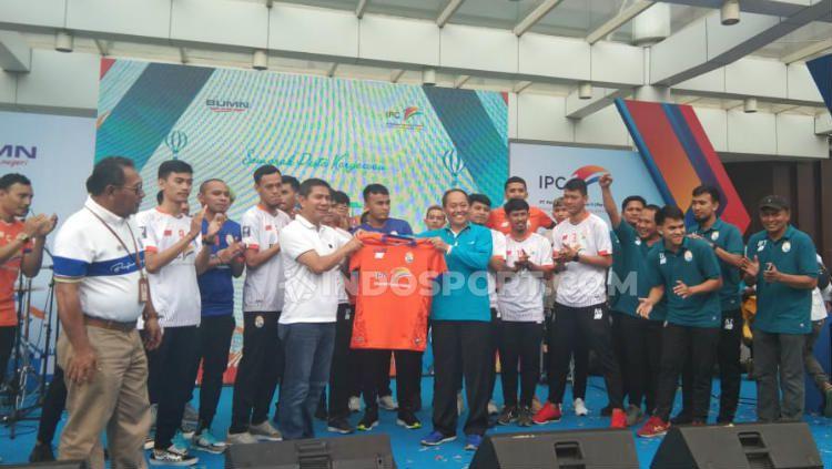 Salah satu kontestan Pro Futsal League 2020, IPC Pelindo resmi diperkenalkan. Copyright: © Petrus Manus Da Yerrimon/INDOSPORT