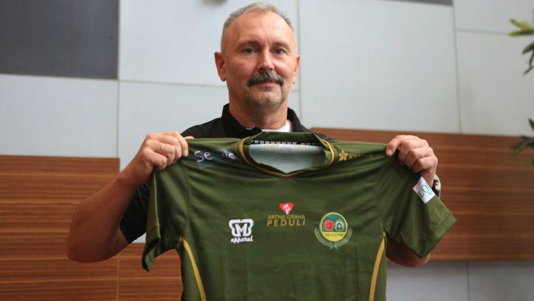 Igor Kriushenko, pelatih baru tim Liga 1, Tira Persikabo. Copyright: © Media Tira Persikabo