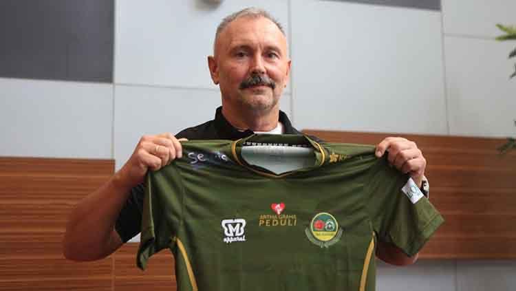 Igor Kriushenko pelatih baru Tira Persikabo di Liga 1. Copyright: © Media Tira Persikabo