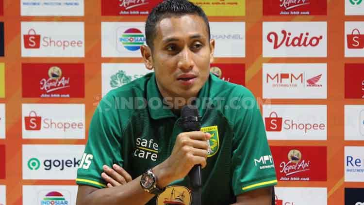 Bek Persebaya, M Syaifuddin saat konfrensi pers usai laga beberapa waktu lalu. Copyright: © Fitra Herdian/INDOSPORT