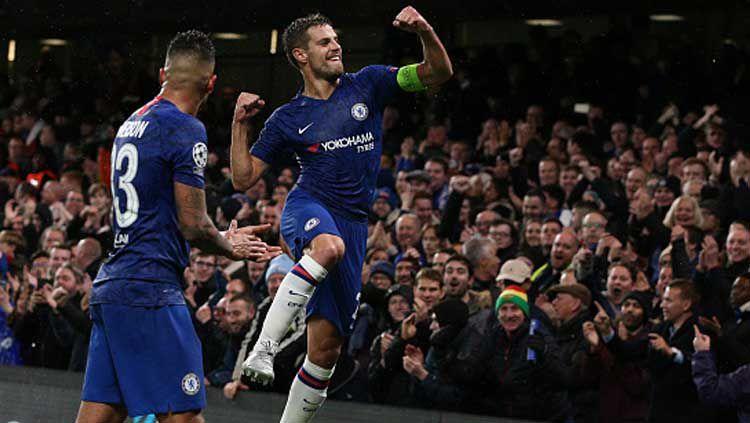 Selebrasi kapten Chelsea, Cesar Azpilicueta usai membawa timnya lolos ke babak 16 besar Liga Champions 2019-2020 Copyright: © Craig Mercer/GettyImages
