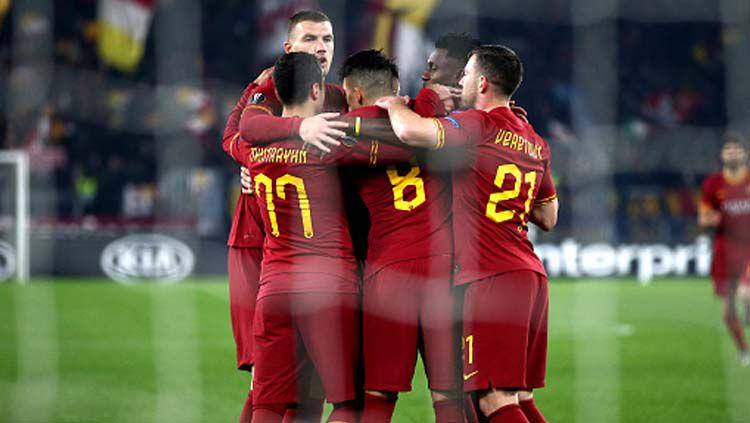 Selebrasi para pemain AS Roma saat mencetak gol ke gawang Wolfsberger dalam pertandingan terakhir Grup J Liga Europa 2019-2020 Copyright: © MB Media/GettyImages