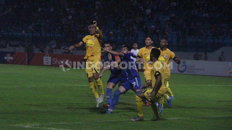 Hasil pertandingan Shopee Liga 1 Indonesia antara PSIS Semarang vs Semen Padang pada Jumat (13/12/19) malam WIB, kekalahan buat Kabau Sirah terdegradasi. Copyright: © Alvin Syaptia/INDOSPORT