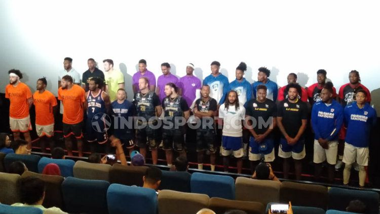 Dalam acara IBL Expose di CGV Arena, FX Sudirman Jakarta, Jumat (13/12/19) IBL memperkenalkan ke-26 pemain asing. Copyright: © Alfia Fadilla/INDOSPORT