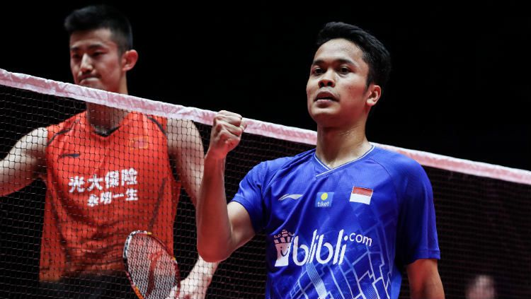 Anthony Sinisuka Ginting di laga semifinal BWF World Tour Finals melawan Chen Long. Copyright: © Shi Tang/Getty Images
