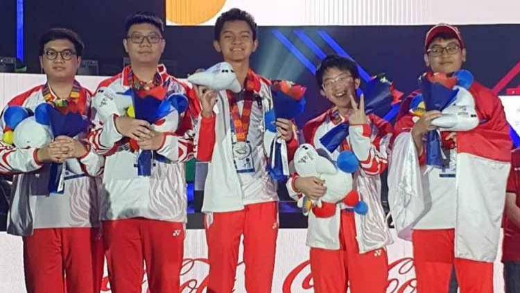 Tim eSports Indonesia saat meraih medali emas di SEA Games 2019. Copyright: © Instagram@nxlfrgdibtj