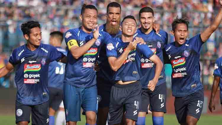 Top 5 News: Eks Persib ke Arema FC Hingga Rekor Pelatih Baru Persija Copyright: © Arema FC