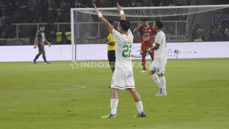 Persija Jakarta vs Persebaya Surabaya di laga Liga 1. Copyright: © Herry Ibrahim/INDOSPORT