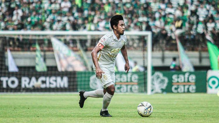 Bagus Nirwanto, kapten PSS Sleman, beraksi dalam pertandingan Liga 1 2019. Copyright: © https://www.instagram.com/bagus_munyeng/