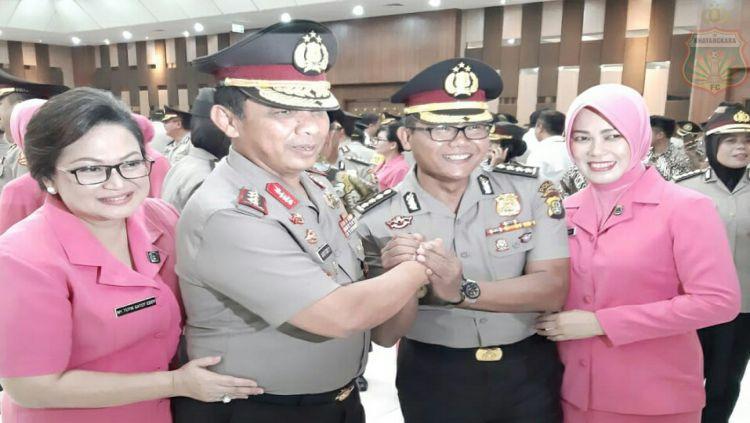 Sumardji dalam acara pemberian penghargaan kenaikan pangkat luar biasa oleh Kepala Kepolisian Republik Indonesia (Kapolri). Copyright: © Media Bhayangkara FC