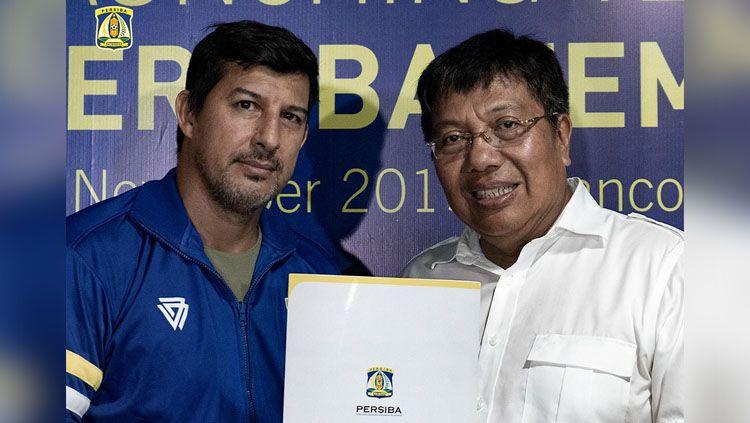 Salah satu kunci sukses klub Liga 2, Persiba, yakni sosok pelatih asing mereka yang santai namun mampu membuat tim harmonis. Copyright: © Twitter/@persibadaily