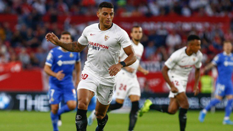 Diego Carlos, bek Sevilla yang dirumorkan akan menjadi pengganti Dejan Lovren yang akan hengkang dari Liverpool pada musim panas nanti. Pantaskah? Copyright: © planetfootball.com