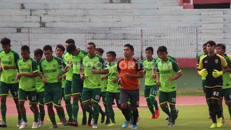 Klub Liga 1 Persebaya Surabaya menggelar latihan perdana di Stadion Gelora Delta, Sidoarjo, Senin (06/01/20). Copyright: © Fitra Herdian/INDOSPORT