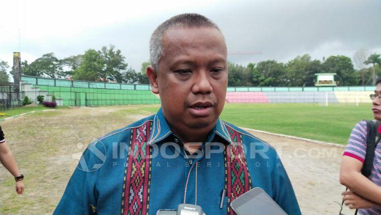 Manajer PSMS Medan, Mulyadi Simatupang.ketika membicarakan 4 pemain trial yang tercoret. Copyright: © Aldi Aulia Anwar/INDOSPORT