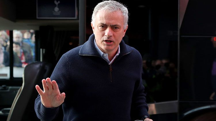 Mengupas janji manis Jose Mourinho kepada Tottenham Hotspur yang dibayangi kutukan musim ketiga yang sulit ia hapuskan. Copyright: © Richard Seller/GettyImages