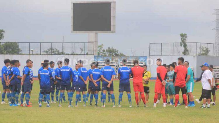 Persib Bandung berlatih menjelang Liga 1 2020 di Stadion SPOrT Jabar, Arcamanik, Kota Bandung, Jumat (10/1/20). Copyright: © Arif Rahman/INDOSPORT