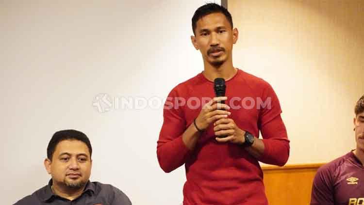 Pemain senior PSM Makassar, Zulkifli Syukur, melempar kode yang menyiratkan bahwa klubnya bisa saja tidak menggunakan jasa pemain asing di lanjutan Liga 1 2020. Copyright: © Adriyan Adirizky/INDOSPORT