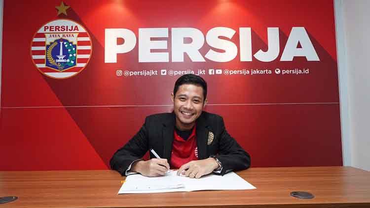 Persija Jakarta, klub Liga 1 2020, belakangan berniat mendatangkan pemain bintang sekelas Keisuke Honda. Apakah rencana tersebut akan mengancam posisi Evan Dimas di skuat Macan Kemayoran? Copyright: © Ofisial Persija