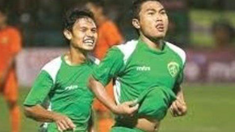 Arif Ariyanto saat masih aktif bermain membela Persebaya. Copyright: © Instagram Arif Ariyanto