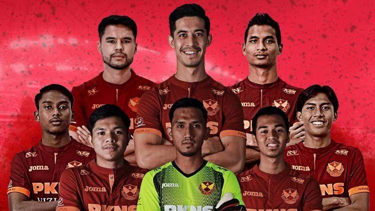 Klub Liga Super Malaysia 2020, Selangor FA, dikecam oleh banyak pihak karena promosikan vape atau rokok elektronik demi mendapat pemasukan tambahan akibat krisis ekonomi. Copyright: © Twitter/@FASelangorMy