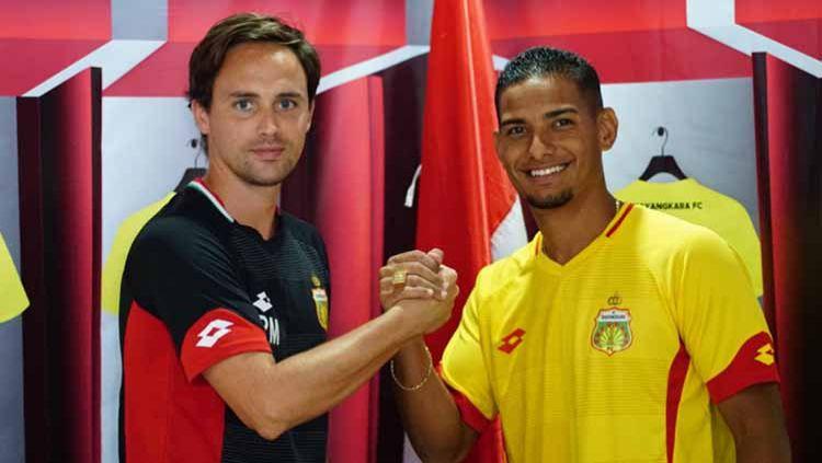 Gelandang anyar klub Liga 1 Bhayangkara FC, Renan da Silva tampil apik di laga debutnya di Siem Reap Super Asia Cup 2020. Copyright: © Media Bhayangkara FC