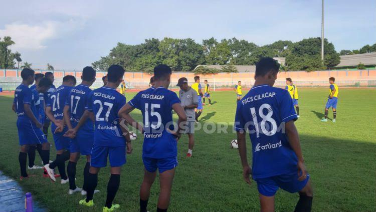 PSCS Cilacap terus melengkapi komposisi skuat untuk Liga 2 2020. Meski sudah mendapatkan 23 pemain, namun pelatih Jaya Hartono terus membutu personel. Copyright: © Ronald Seger Prabowo/INDOSPORT