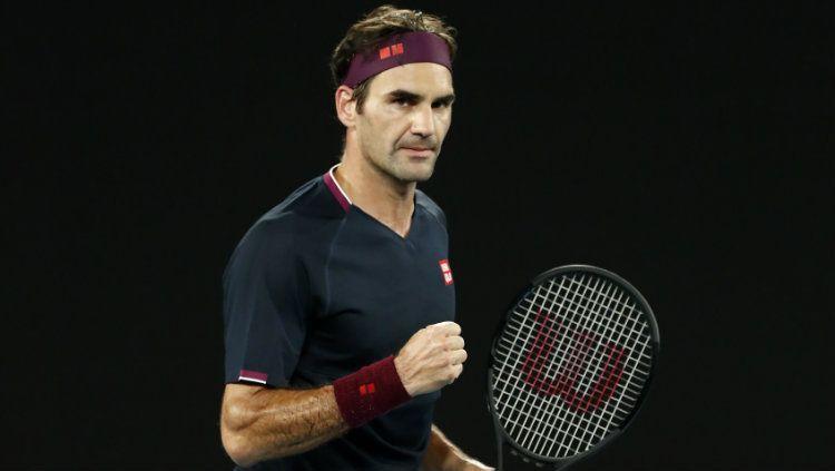 Roger Federer dan istrinya Mirka Federer menyumbangkan uang sebesar satu juta Swiss Francs atau setara dengan Rp 16,5 Miliar untuk keluarga korban virus Corona. Copyright: © Darrian Traynor/Getty Images