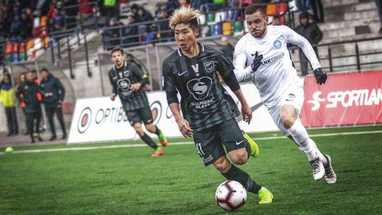 Berikut ini ada 3 fakta pemain asal Jepang jebolan Pieta Hotspurs FC Shunsuke Nakamura yang tengah dirumorkan merapat ke klub Liga 1, Persela Lamongan. Copyright: © Twitter/@nakashun0516