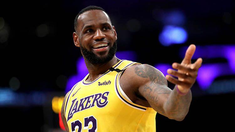 Bintang NBA, LeBron James, baru-baru ini kembali menyuarakan kegelisahannya atas isu rasisme yang saat ini kembali mencuat di Amerika Serikat. Copyright: © Sean Haffey/GettyImages