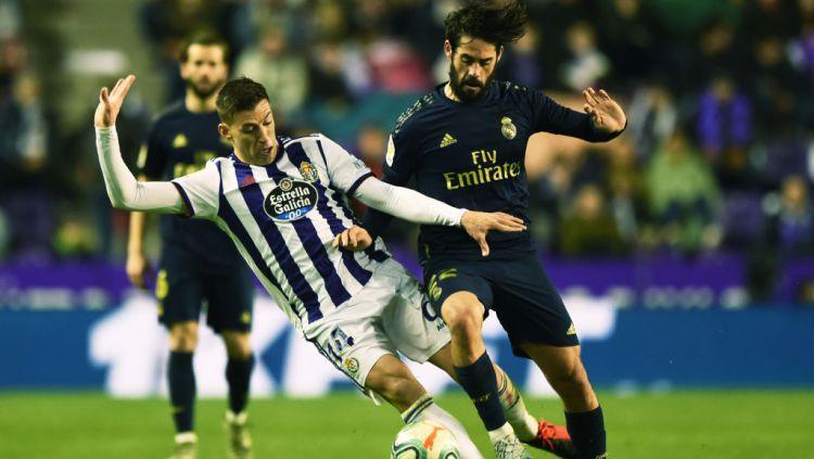 Carlo Ancelotti digadang masih ingin memainkan Isco pada musim depan meski sang pemain tidak lagi dibutuhkan Real Madrid. Copyright: © Denis Doyle/Getty Images