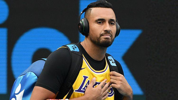 Nick Kyrgios mengenakan jersey Kobe Bryant ketika hendak bertanding di Australia Terbuka 2020. Copyright: © Quinn Rooney/Getty Images
