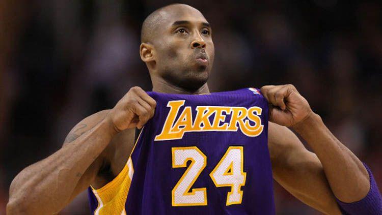 Legenda LA Lakers, Kobe Bryant meninggal akibat kecelakaan helikopter. Copyright: © Christian Petersen/GettyImages