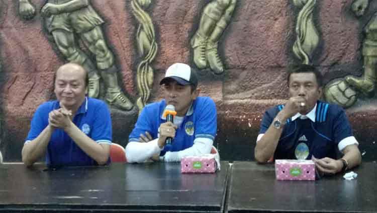 Seto Nurdiyantoro saat diperkenalkan menjadi pelatih PSIM Yogyakarta untuk Liga 2 2020. Copyright: © Dok PSIM