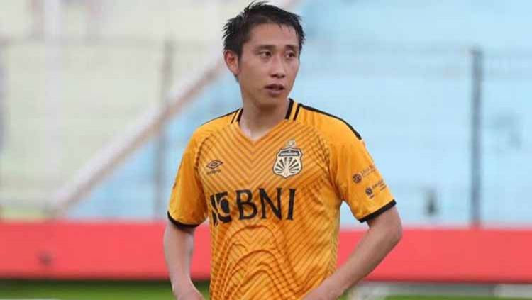 Pemain Bhayangkara FC, Lee Yoo-joon. Copyright: © vivagoal.com