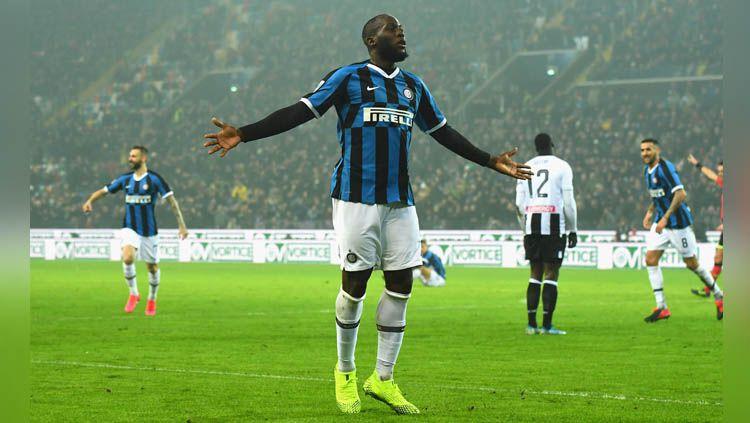 Striker Inter Milan, Romelu Lukaku, sudah tajam sejak berusia belia. Copyright: © Twitter/@Inter_en