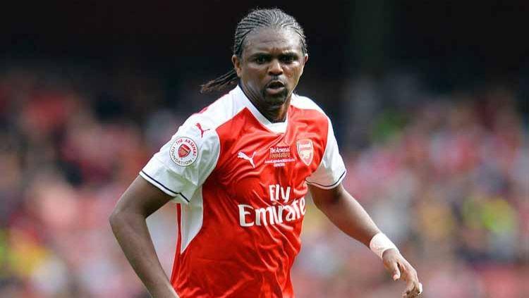 Apa kabar Nwankwo Kanu, bagian dari invincibles Arsenal yang nyaris meninggal dunia. Copyright: © RT.com