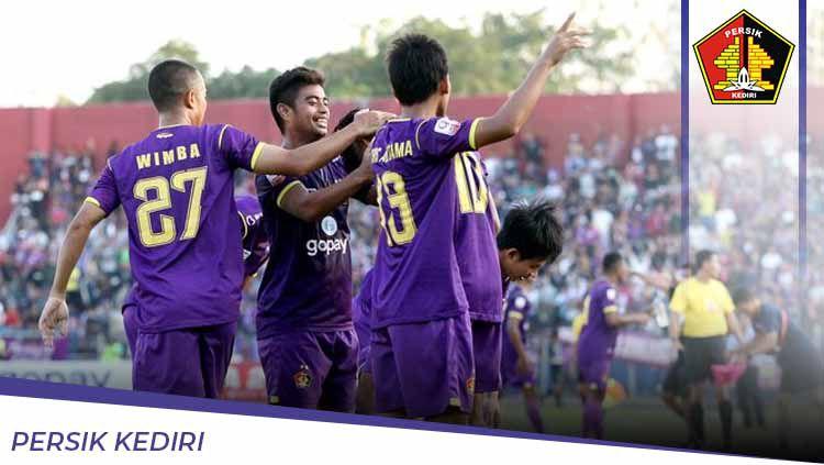 Sebentar lagi kompetisi sepak bola Indonesia Liga 1 2020 bakal dimulai. Berikut profil salah satu peserta Liga 1, yakni Persik Kediri yang siap beri kejutan. Copyright: © Grafis:Ynt/Indosport.com