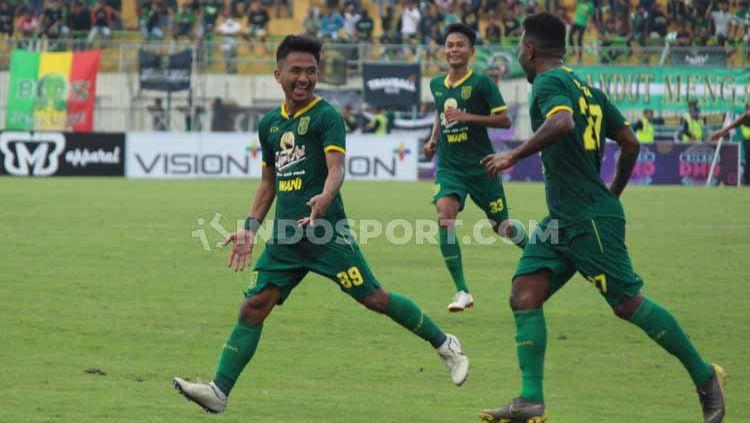 Persebaya Surabaya memimpin klasemen Grup A Piala Gubernur Jatim usai menjadi satu-satunya tim yang meraih kemenangan hari ini, Senin (10/02/20). Copyright: © Fitra Herdian/INDOSPORT