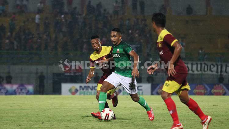 Madura United vs Persik Kediri di turnamen Piala Gubernur Jatim 2020. Copyright: © Fitra Herdian/INDOSPORT.