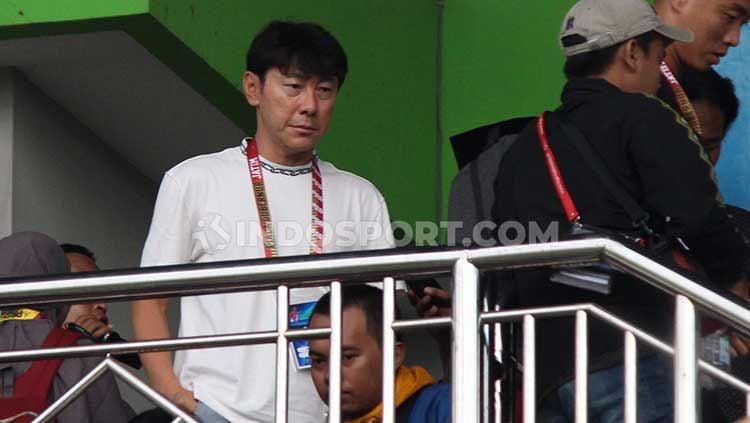 Media Vietnam, News Zing, membeberkan alasan aneh Shin Tae-yong saat Timnas Indonesia dipermalukan oleh tim promosi Liga 1 2020, Persita Tangerang Copyright: © Fitra Herdian/INDOSPORT