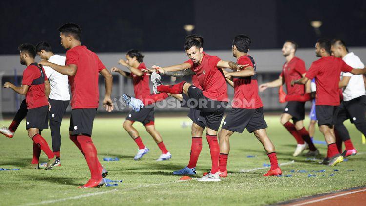 Kondisi Timnas Indonesia Senior seakan sedikit dilupakan. PSSI masih terlalu sibuk menyiapkan program untuk Timnas Indonesia U-19. Copyright: © Herry Ibrahim/INDOSPORT