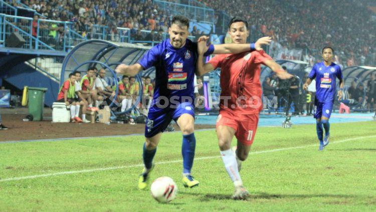 Pertandingan Arema FC vs Persija Jakarta di pertandingan Grup A Piala Gubernur Jatim, Sabtu (15/02/20). Copyright: © Ian Setiawan/INDOSPORT.COM