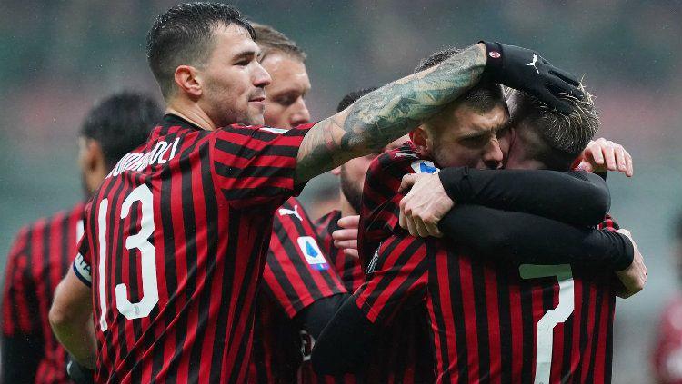 Termasuk Gianluigi Donnarumma, klub Serie A Liga Italia, AC Milan, terancam kehilangan sampai 13 bintangnya. Copyright: © twitter.com/acmilan