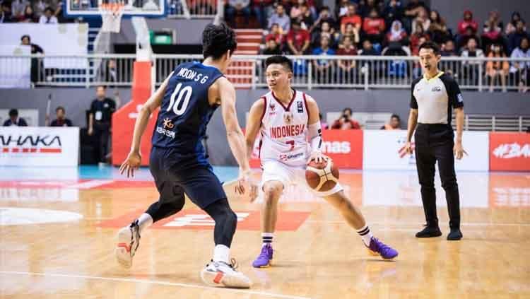 Timnas Basket Indonesia melawan Korea Selatan pada laga Kualifikasi FIBA Asia Cup 2021, Kamis (20/02/20). Copyright: © Media FIBA Asia