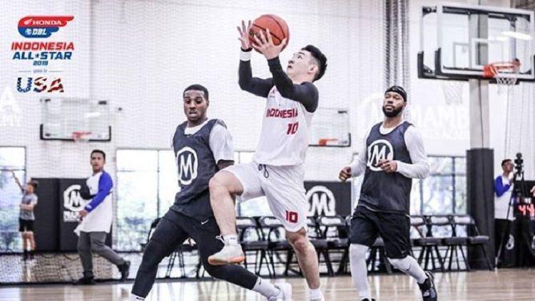 Pemain DBL All-Star 2019 menjajal fasilitas akademi milik Kobe Bryant. Copyright: © Instagram @dblindonesiaofficial
