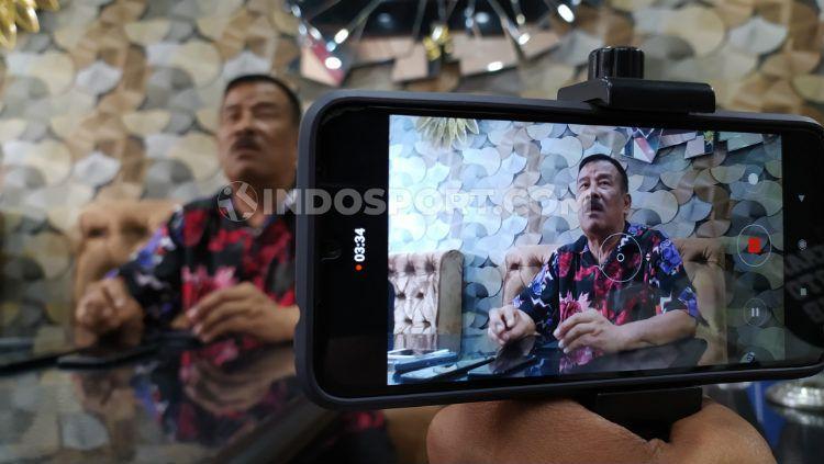 Komisaris PT Persib Bandung Bermartabat (PBB), Umuh Muchtar, belum bisa memberikan komentar terkait kadidat calon untuk mengisi posisi Direktur Utama PT Liga Indonesia Baru (LIB). Copyright: © Arif Rahman/INDOSPORT