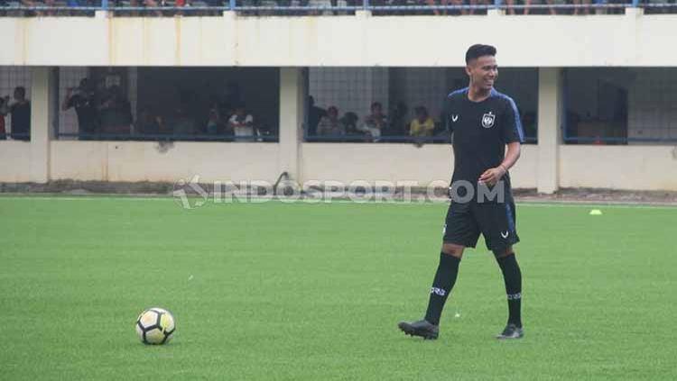 Eka Febri saat melakukan latihan bersama pemain PSIS Semarang di Stadion Citarum, beberapa waktu lalu. Copyright: © Alvin Syaptia Pratama/INDOSPORT