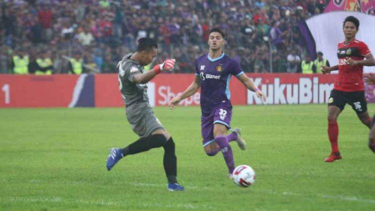 Playmaker Persik Kediri, Gaspar Vega, sangat berharap kompetisi Liga 1 berlanjut, untuk menuntaskan rasa penasaran. Copyright: © Media Official Persik
