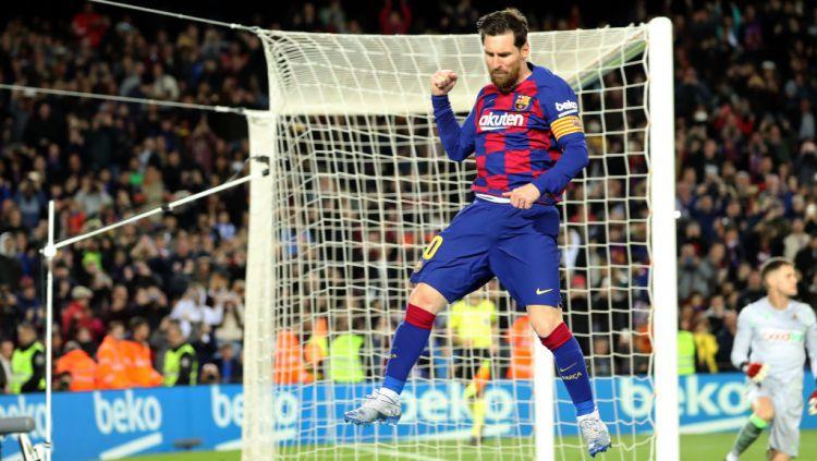 Selebrasi Lionel Messi usai mencetak gol di laga Barcelona vs Real Sociedad Copyright: © Joan Valls/Urbanandsport /NurPhoto via Getty Images
